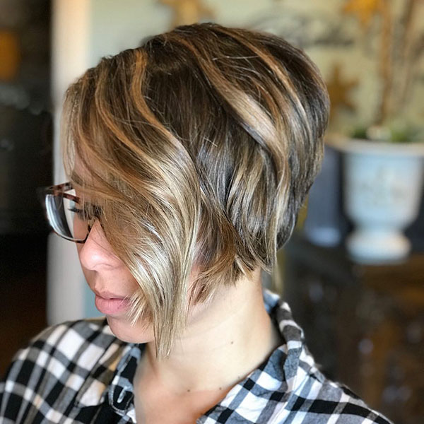latest short hairstyles for ladies 2021