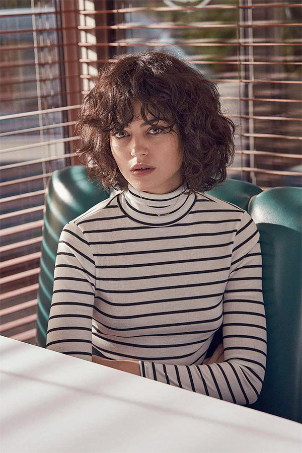 hairdos for curly hair