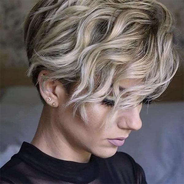 trendy haircuts for wavy hair